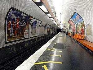 Porte de Clichy (Paris Métro & RER) - Image: Metro de Paris Ligne 13 Porte de Clichy 02