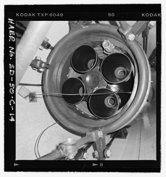 File:Missile thrusters, missile resting on ring, shock absorber attachments at three points - Ellsworth Air Force Base, Delta Flight, Launch Facility, On County Road T512, south of Exit 116 HAER SD-50-C-14.tif
