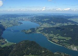 Mondsee-lake.jpg