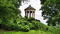Monopteros im Englischen Garten (18086907762) (2).jpg