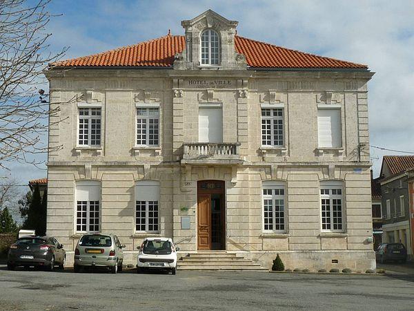 La mairie de Montembœuf