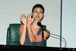 File:Morena Baccarin @ 2011 Sci-Fi Expo 10.jpg. By: http://www.flickr.com/people/71004870@N00 Alex Archambault