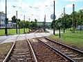 Most, tř. Budovatelů, tramvajová trať kolem vozovny, přejezd.jpg