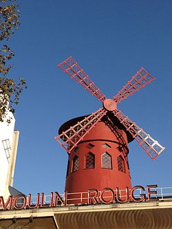 Le Moulin Rouge à Paris.
