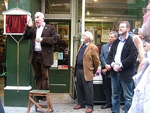 Cecil Court - Actor Simon Callow unveiling the Mozart commemorative plaque in Cecil Court in September 2011