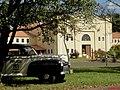 Museu Agromen de Tratores e Implementos Agrícolas, localizado no complexo do Centro Hípico e Haras Agromen em Orlândia. Este museu é uma volta ao passado, com máquinas agrícolas, tratores e carros ant - panoramio.jpg