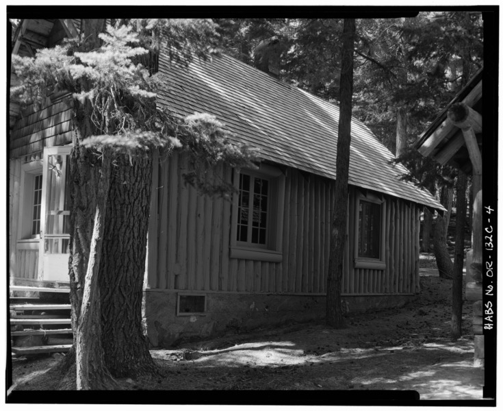 File:NORTH SIDE - Paulina Lake IOOF Organization Camp, Cabin No. 6, Deschutes National Forest, La Pine, Deschutes County, OR HABS ORE,9-LAPI.V,1C-4.tif