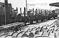 Niemiecki pociąg z wojskiem i uzbrojeniem na stacji w Lavagna (2-2097).jpg