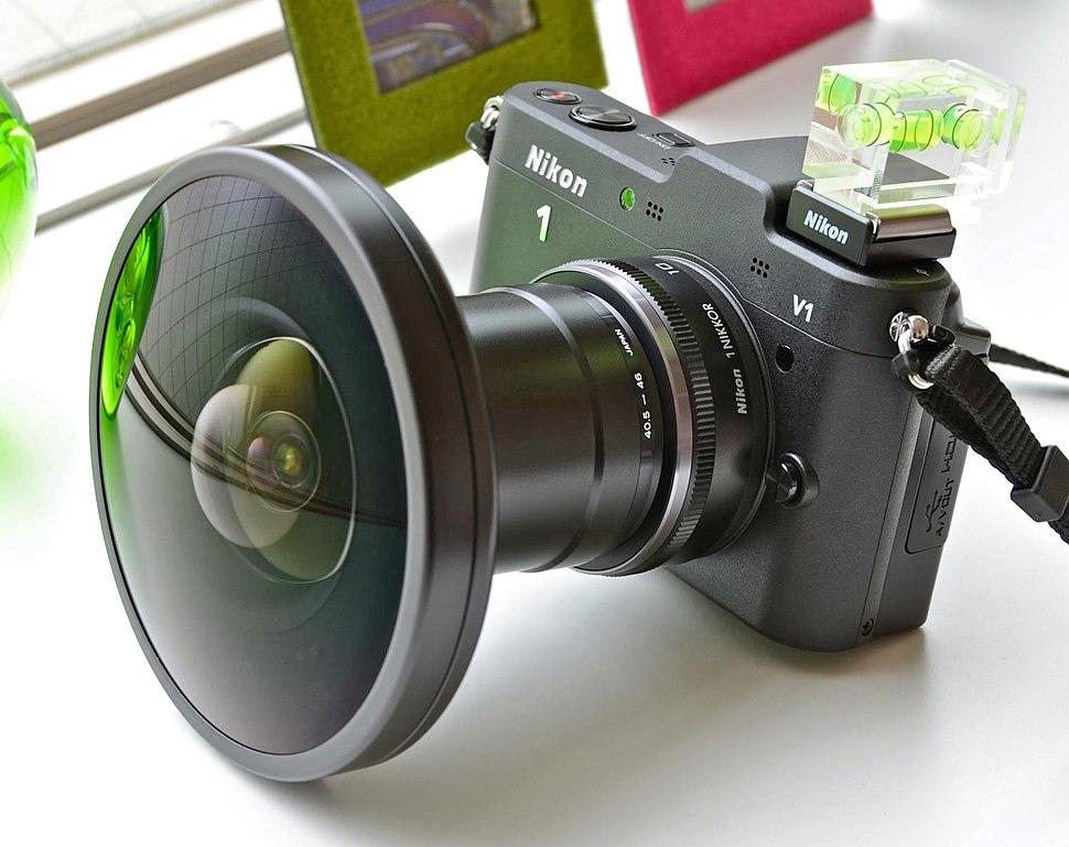 Nikon 1 V1 %2B Fisheye FC-E9 01