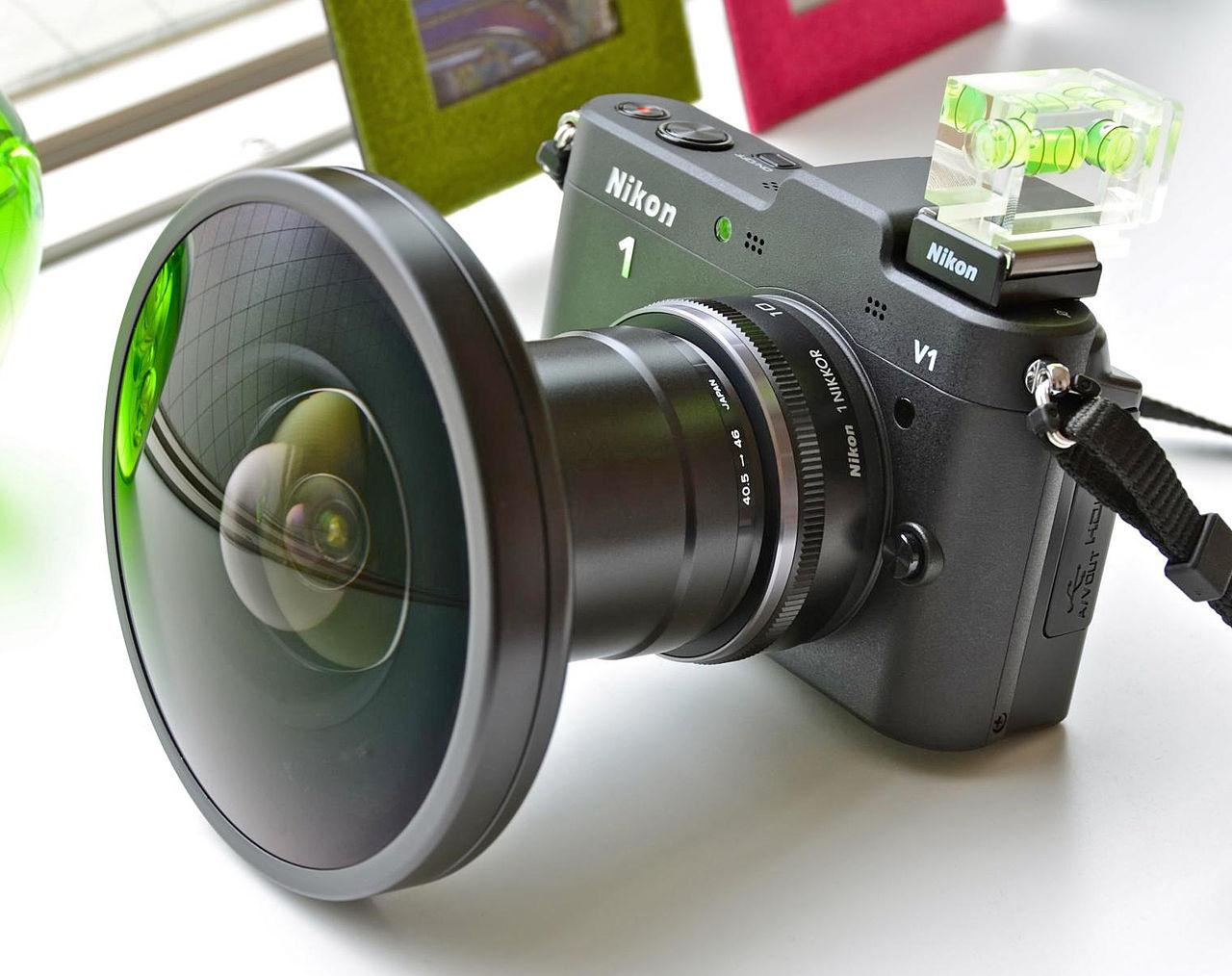File:Nikon 1 V1 + Fisheye FC-E9 01.jpg - Wikimedia Commons