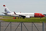 Norwegian (H.C. Andersen Livery), LN-DYD, Boeing 737-8JP (37041148126).jpg