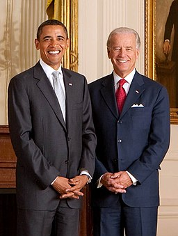 Official portrait of President Obama and Vice President Biden 2009