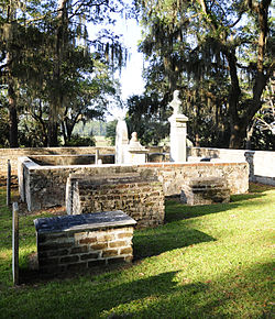 Thomas Heyward, Jr. grave site, located at the Old House Plantation.