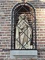 Oploo - Wegkapel met beeld van Sint Matthias op de hoek van de Vloetweg en de Blauwstraat.jpg