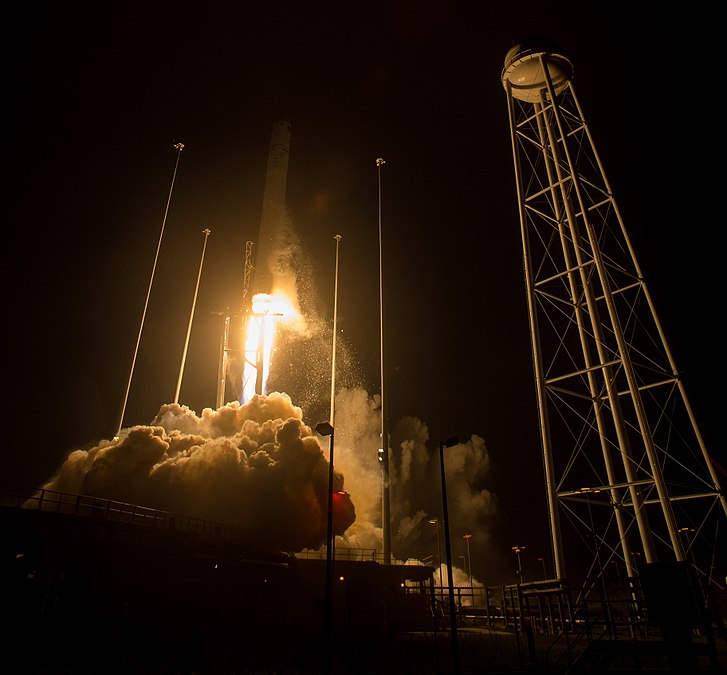 Orbital ATK CRS-9 Launch (NHQ201805210010).jpg