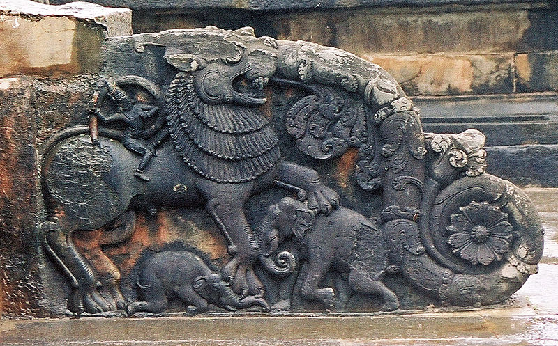 File:Ornate baluster in Thripuranthakeshwara temple at Balligavi, Shimoga district.jpg