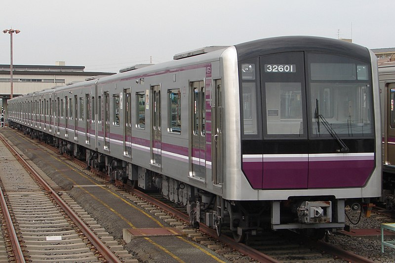 File:Osaka Subway 32601F 20090918.jpg