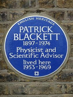 Patrick blackett 1897 1974 physicist and scientific advisor lived here 1953 1969