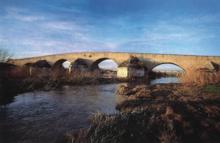 Ponte romano sul fiume Ofanto a Canosa di Puglia