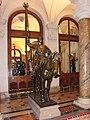 Paris Hôtel-de ville, Statue en bronze.jpg