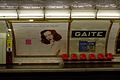 Paris Metro line 13 station Gaîté - Motte seats.jpg