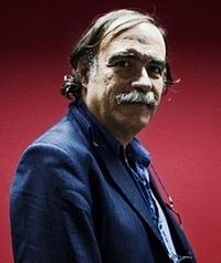Paulo Branco with red background.jpg
