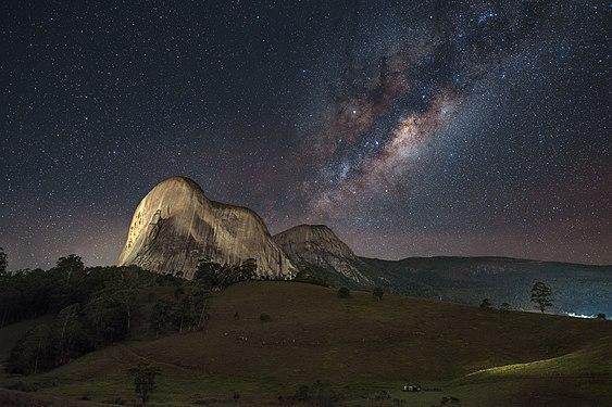 Pedra Azul Milky Way.jpg