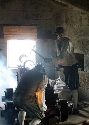 Device Forts - Reconstruction of a 16th-century cannon and gun crew at Pendennis Castle