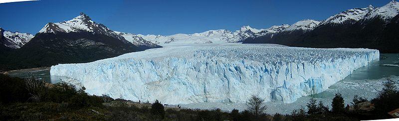 Perito moreno glacier panoramic.JPG