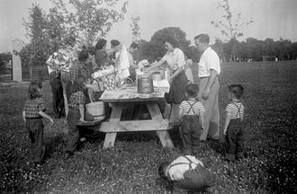 Picnic - A picnic party assembling in Columbus, Ohio, c. 1950