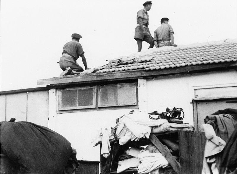 """חיפושי נשק ואנשי פלי""""ם - מפרקים את הגג בחיפוש"""