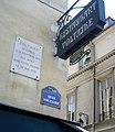Plaque Voltaire, 27 quai Voltaire, Paris 7 (1).jpg