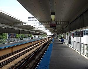 Polk station - Image: Polk Street Pink Line Station