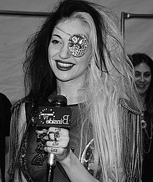 Porcelain Black - Wikipedia