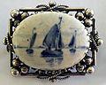 Porceleyne Fles ships brooch 1892.jpg