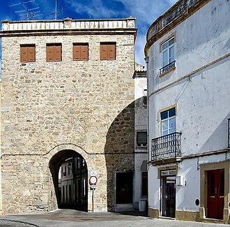 Portalegre, Portugal - Image: Porta de Alegrete (Portalegre)