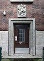 Portal mit Relief und Tür Hubertusstraße 7, Düsseldorf-Unterbilk.jpg