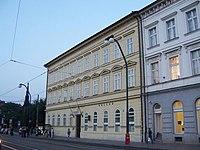 Praha-budova-hollar.jpg