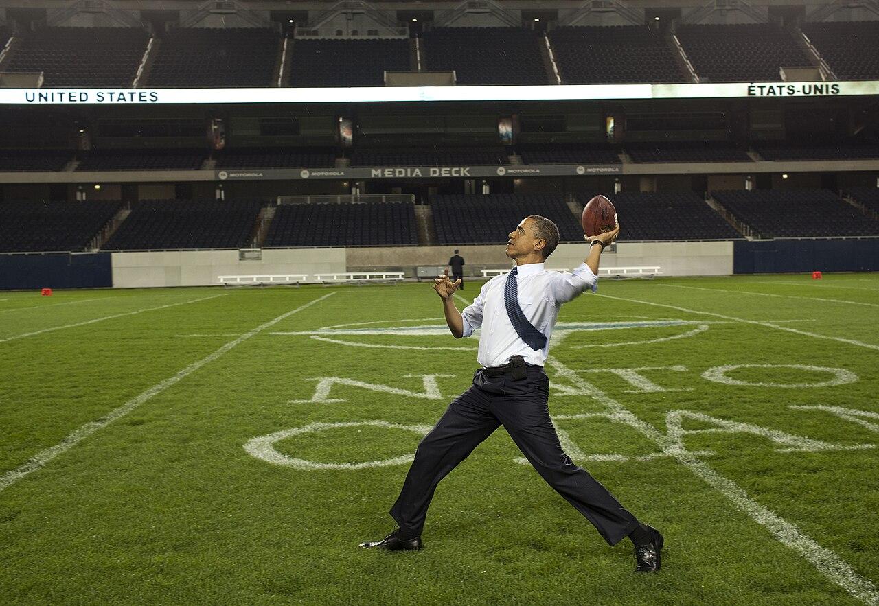 File:President Barack Obama throws a football.jpg ...