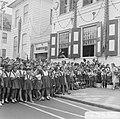 Prinses Beatrix en Claus in Suriname, de schooljeugd was massaal vertegenwoordig, Bestanddeelnr 919-3301.jpg