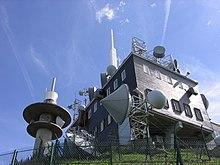 Le laboratoire et l'antenne