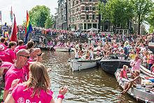 Naším hlavním cílem je podpořit gay turismus v Praze.