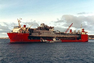Heavy-lift ship - Image: RFA Sir Tristram & MV Dan Lifter late 1982