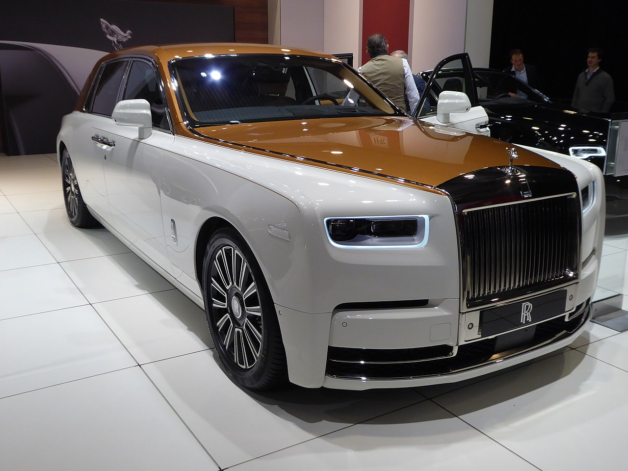 RR Phantom VIII at European Motor Show Brussels 2018 003.jpg