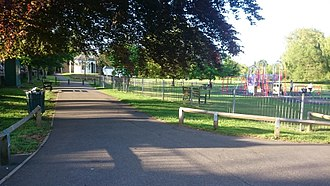 Radnor Gardens - Image: Radnor Gardens 20150516184455