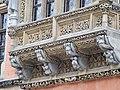 Ratusz wrocławski konsole balkonu.jpg