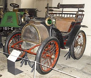 Automotive industry in France - 1899 Renault Type A
