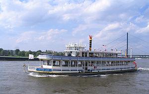 River Lady vor Düsseldorf, Mai 2012 (1).jpg