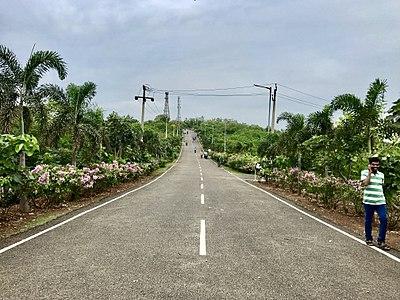 Road towards Kailasagiri from Telugu Museum.jpg
