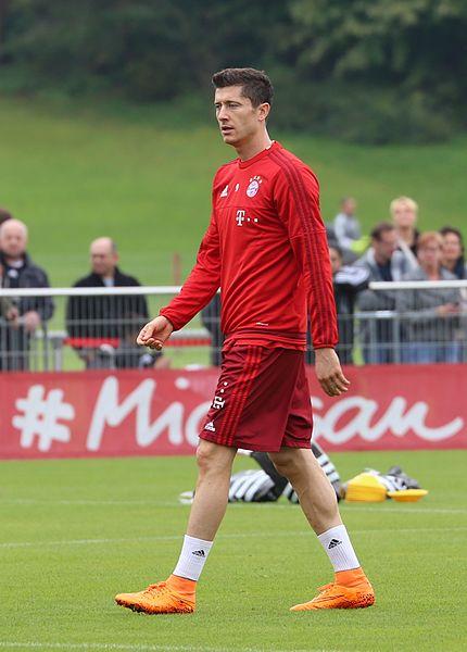 File:Robert Lewandowski Training FC Bayern München-2.jpg